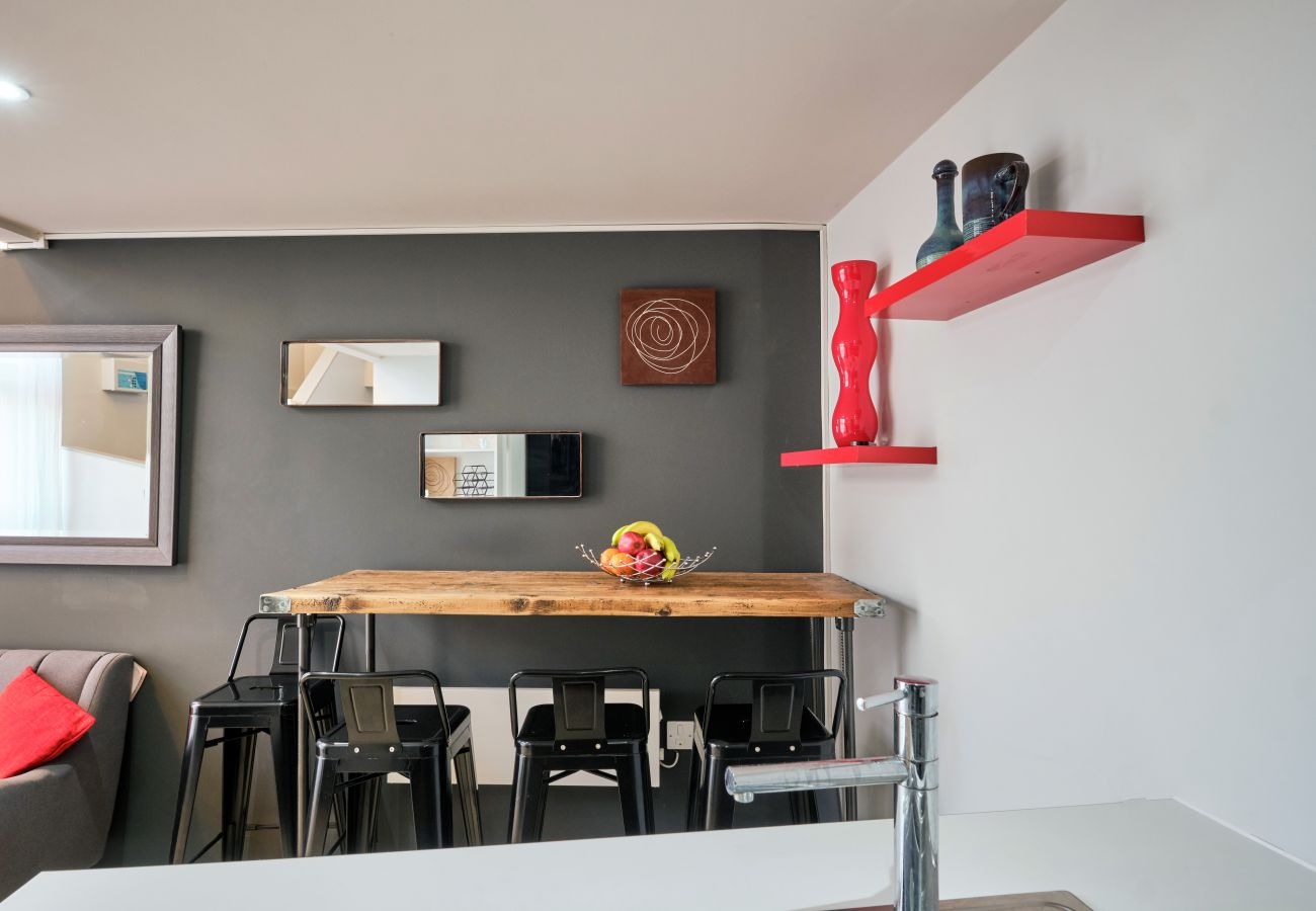 Breakfast Bar Perfect for working or eating - High Speed WiFi Throughout